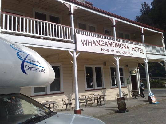 Whangamomona hotel de vergeten snelweg Nieuw Zeeland